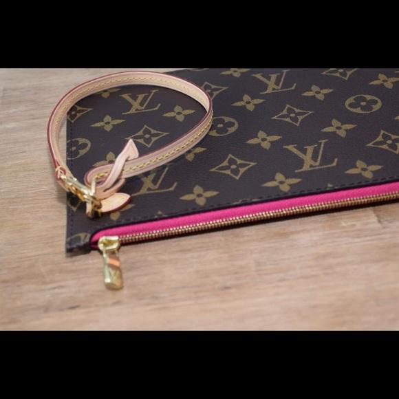 Louis Vuitton Handbags - Louis Vuitton Neverfull Pouch